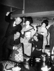 Charlie Chaplin with geisha Ichimaru may 1932